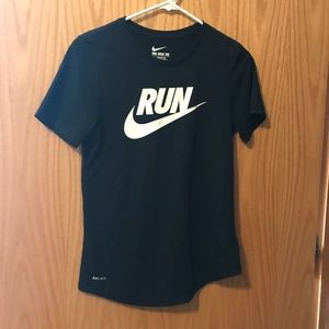 Size S Women's Nike Run Workout T Shirt Black